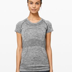 Lululemon swiftly top
